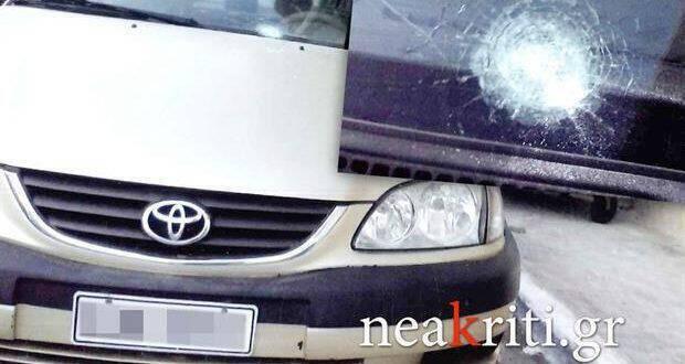 Σφαίρα καρφώθηκε σε αυτοκίνητο μετά από γλέντι στην Κρήτη