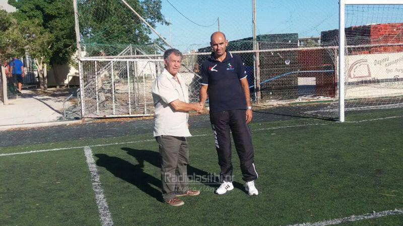 Αριστερά ο Μ. Παπαγεωργίου από την ΕΠΣ Λασιθίου - Δεξιά ο προπονητής Ιορδάνης Τσιρκίνης