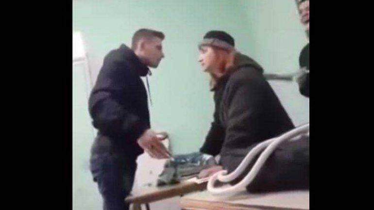 Αποτέλεσμα εικόνας για Έρευνα για το βίντεο με μαθητή να «τραμπουκίζει» καθηγήτρια για μια απουσία